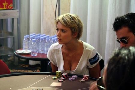 Virginie Efira poker